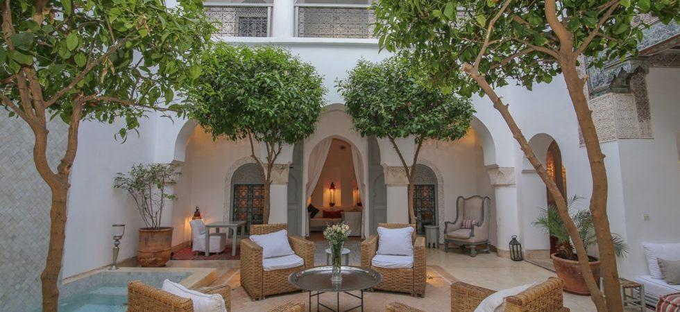 Authenticité, sobriété, élégance, beau bassin, hammam et superbe terrasse. Somptueux riad ou le temps s'arrête