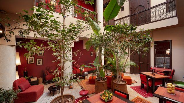 Confort irréprochable sans parler de son charme. Magnifique maison d'hôtes de 5 chambres, à proximité de la place Jamaâ El Fna. Vraiment une belle affaire